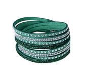 Snyggt armband med nitar & strass!  Grön